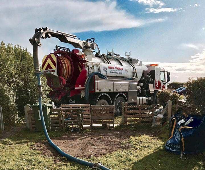 Hefin Thomas vacuum truck